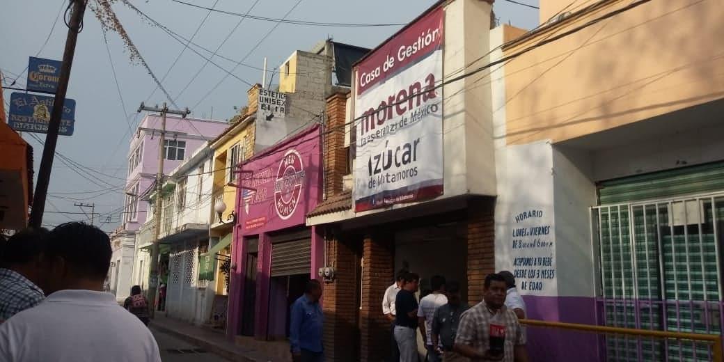 Inauguran oficina regional de Morena en Izúcar