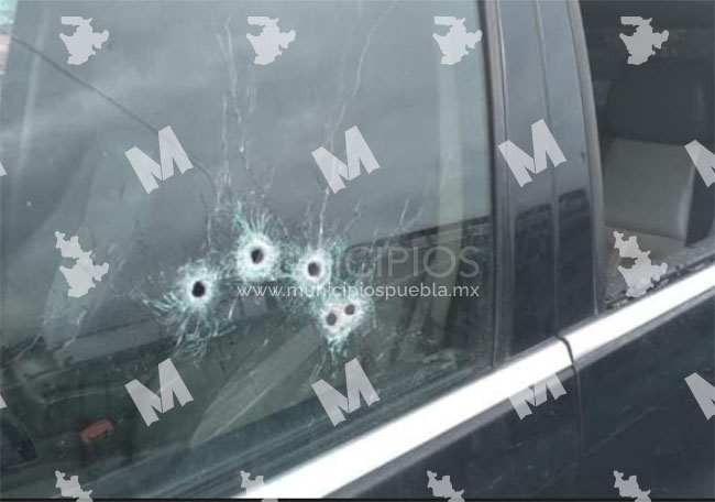 Acribillan a joven dentro de su camioneta en Xicotepec