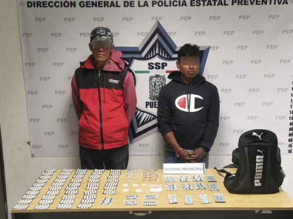 Detienen a Los Oropeza con 900 pastillas psicotrópicas en Coronango