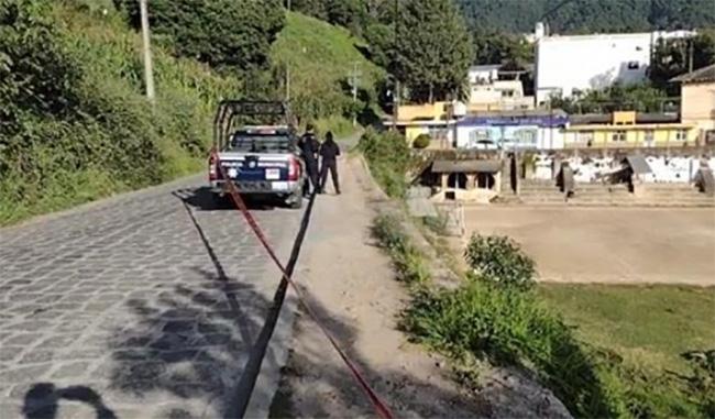 Avientan cadáver de un hombre al fondo de barranca en Chignautla