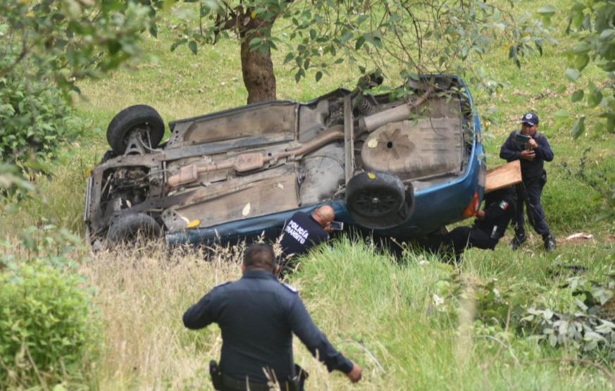 Cae de barranca de 35 metros y sobrevive en Xiutetelco
