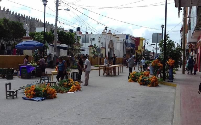 Comerciantes, aún sin acuerdos con el municipio para venta de Todos Santos en Izúcar