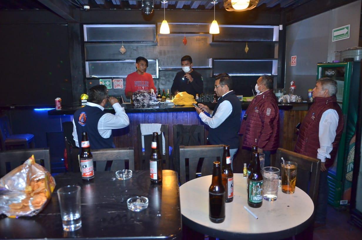 Verifican cumplimiento de medidas de prevención por covid-19 en bares de Puebla