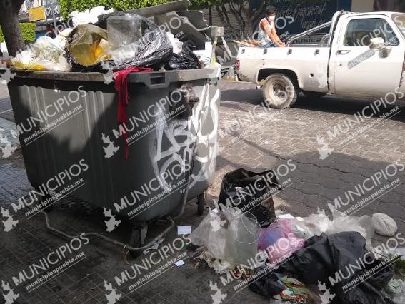 Toma de relleno Sanitario en Tehuacán deja 150 toneladas en las calles