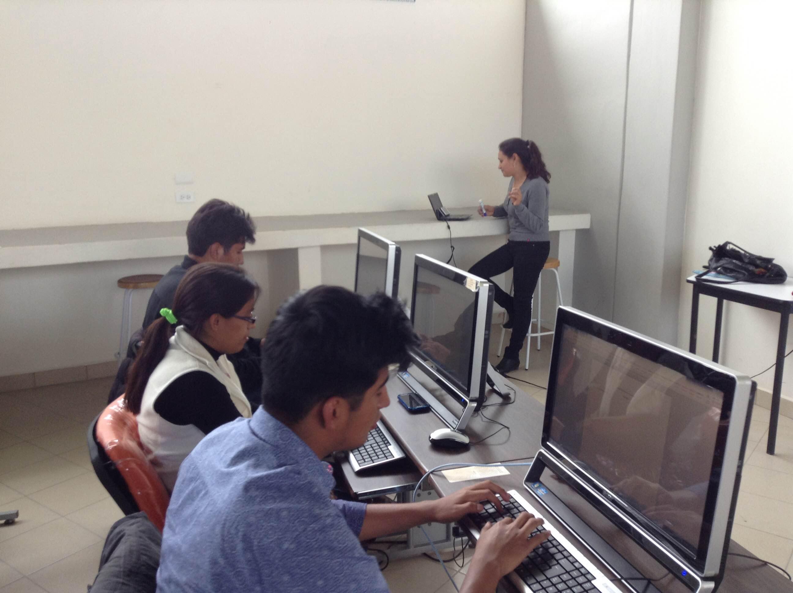 Por fallas en sistema, alumnos de Atlixco no pueden cobrar becas de AMLO