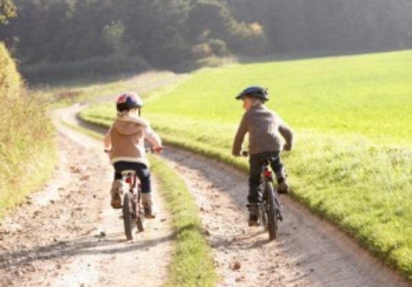 Niño no se salva de la delincuencia, le roban su bici en Atlixco