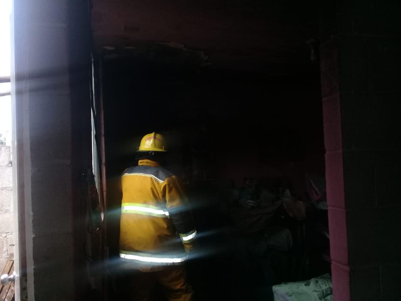Un descuido provocó el primer incendio en casa de Huauchinango