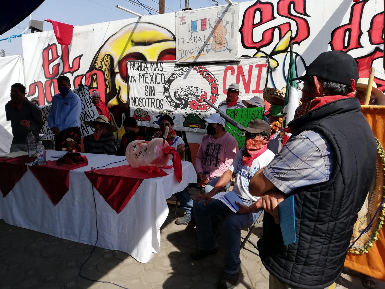 Vecinos de Juan C. Bonilla no ceden y esperan cierre de la empresa Bonafont