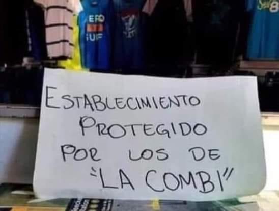 Héroes de la combi inspiran a comerciantes de Puebla