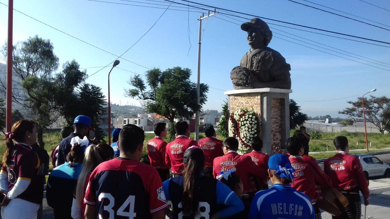 Conmemoran el natalicio del Buitre de Tecamachalco