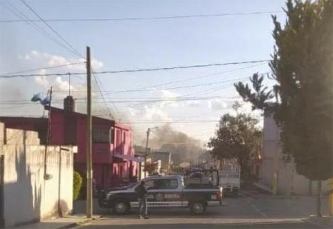 Riña deja herido a El Buki y un auto calcinado en Tepeaca