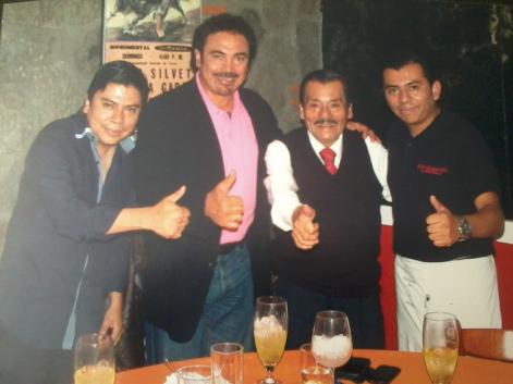 Fallece la leyenda del mole de caderas, don Onésimo Sánchez Jiménez