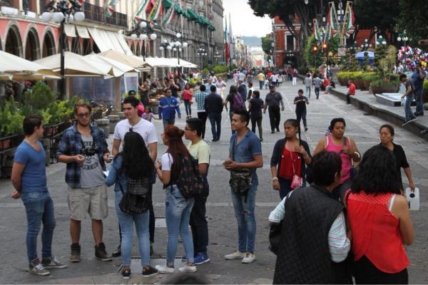 Reportan menos de 500 casos activos de Covid en Puebla