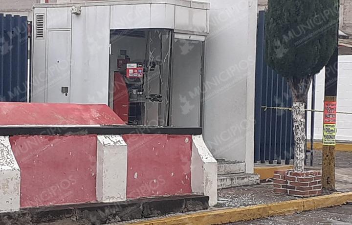 Arrancan cajero Santander en Ciudad  Serdán