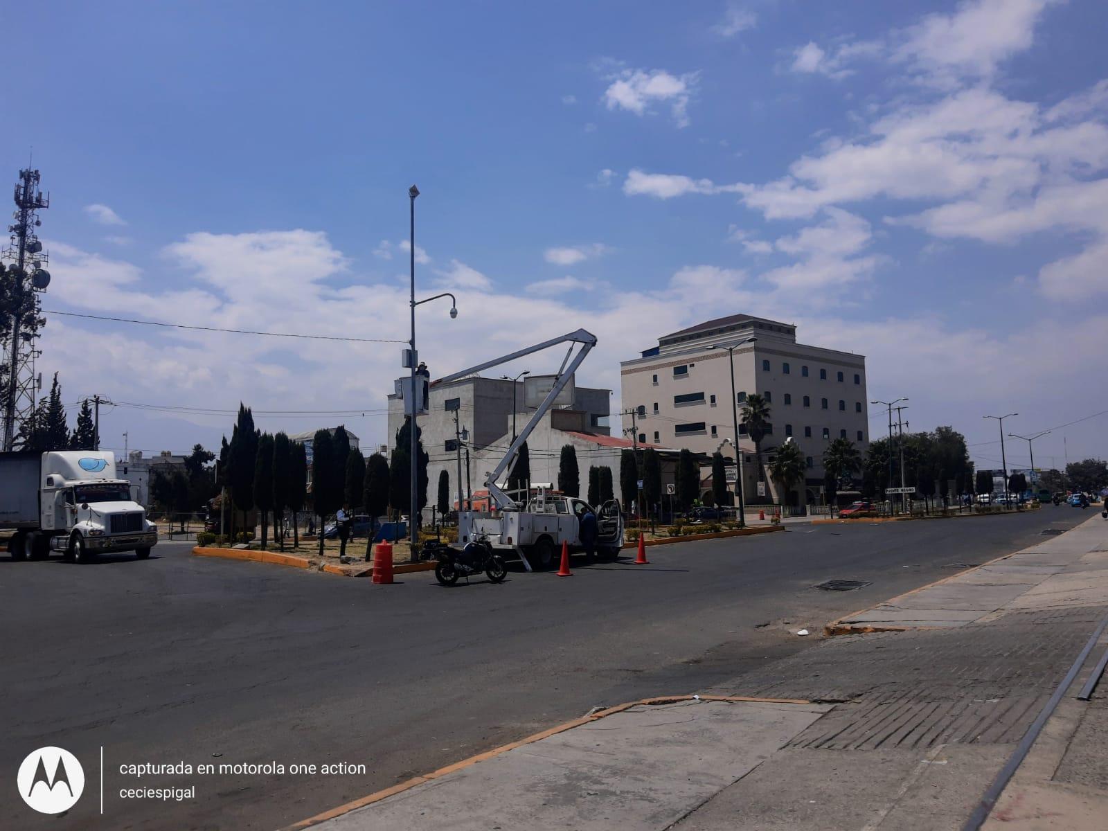 Instalación de cámaras de seguridad en Texmelucan, con avance del 65%