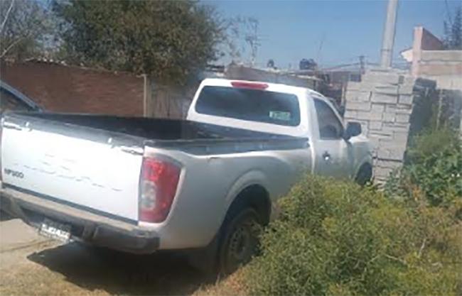 Policías recuperan camioneta robada con agroquímicos en Tecamachalco