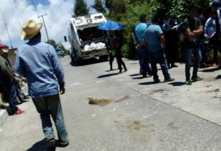 Camión de la basura atropella a jinete en Teziutlán