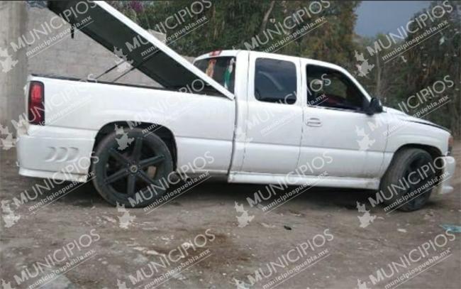 Tras balacera frente a prepa BUAP recuperan camioneta en Tecamachalco