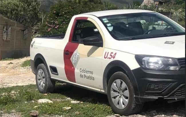 Roban camioneta del DIF en la carretera Palmar de Bravo-Tlacotepec