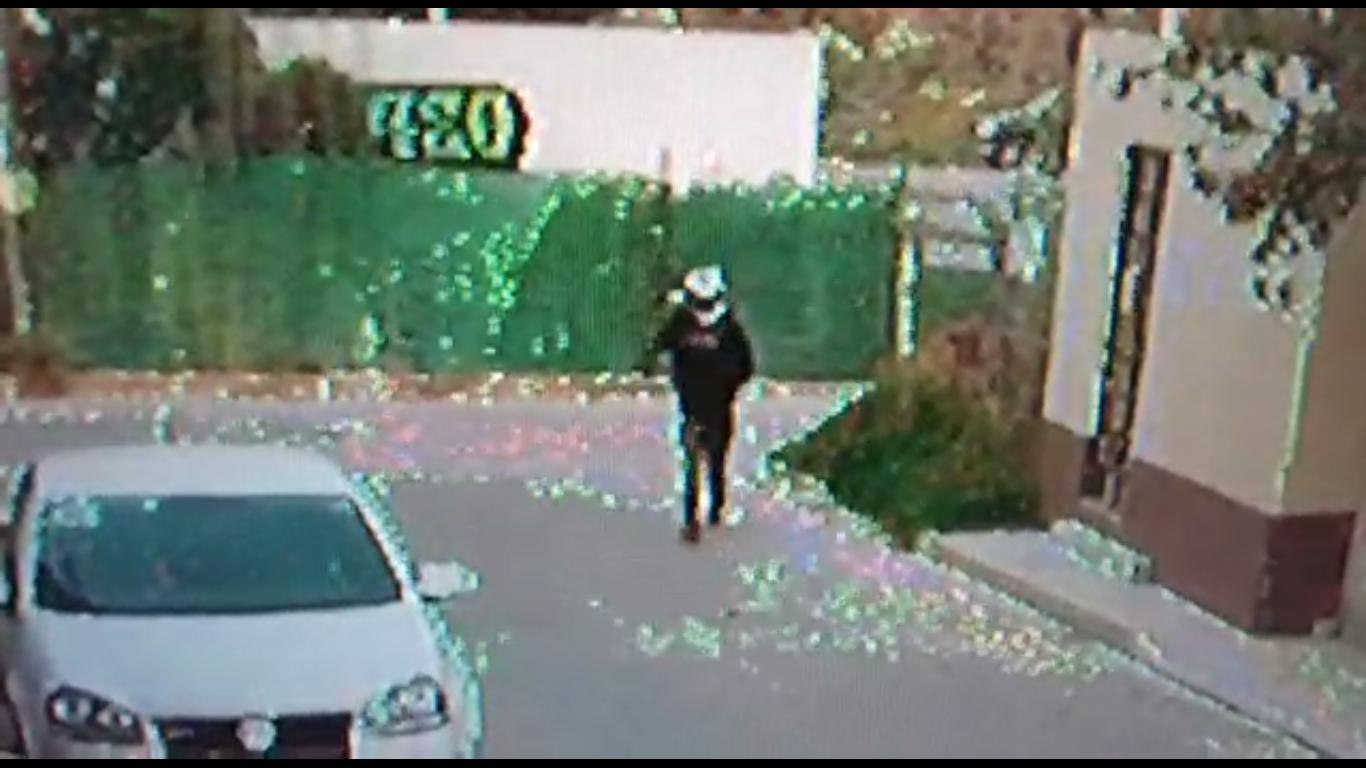 VIDEO Roban camioneta y asaltan verdulería en Amozoc