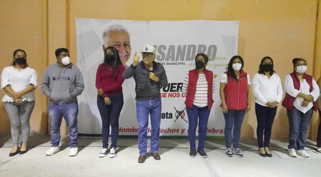 Presume Lisandro Campos obras pasadas para repetir como edil en Tepexi