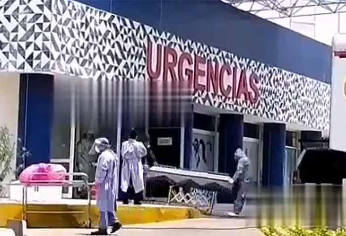 VIDEO Así trasladan cadáveres Covid-19 en Puebla