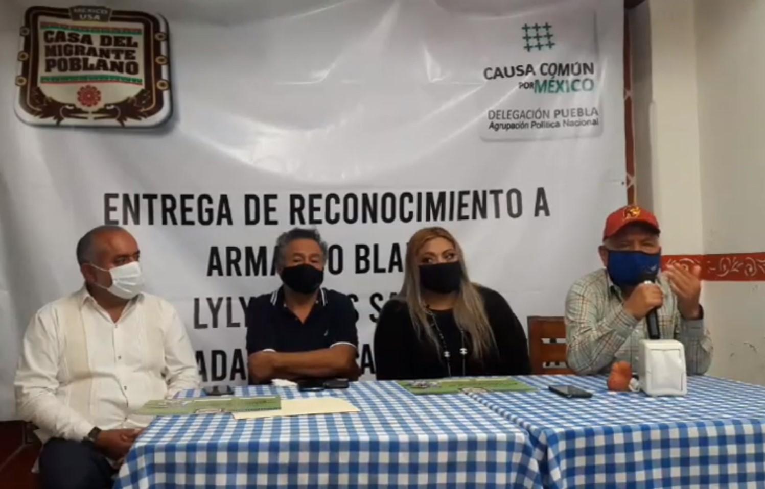 Alertan de cobros en trámites que son gratuitos para los migrantes en Izúcar