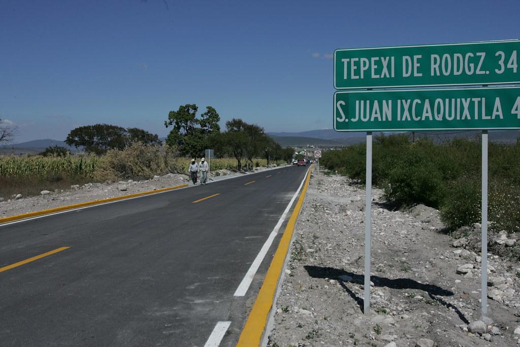En plena contingencia, licitan tramo en La Colorada-Acatlán