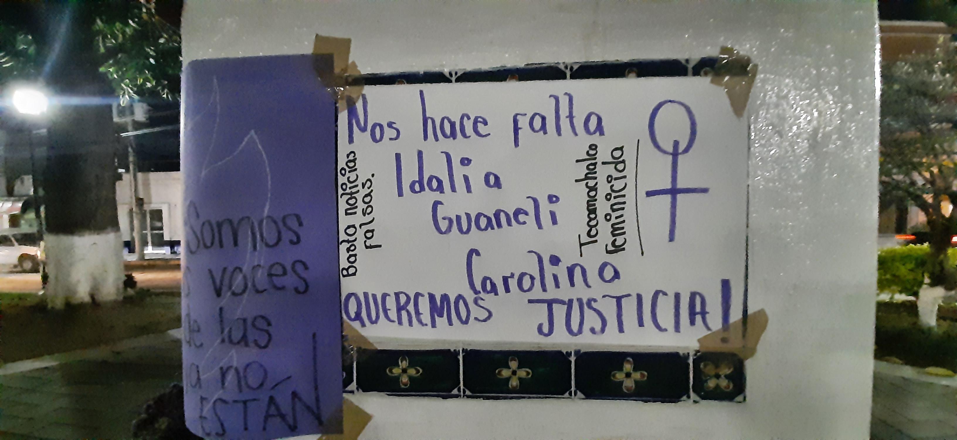 Colocan altar en el zócalo de Tecamachalco en honor de jóvenes asesinadas