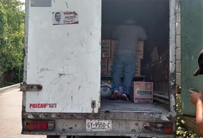 Roban camioneta y la dejan abandonada en Izúcar