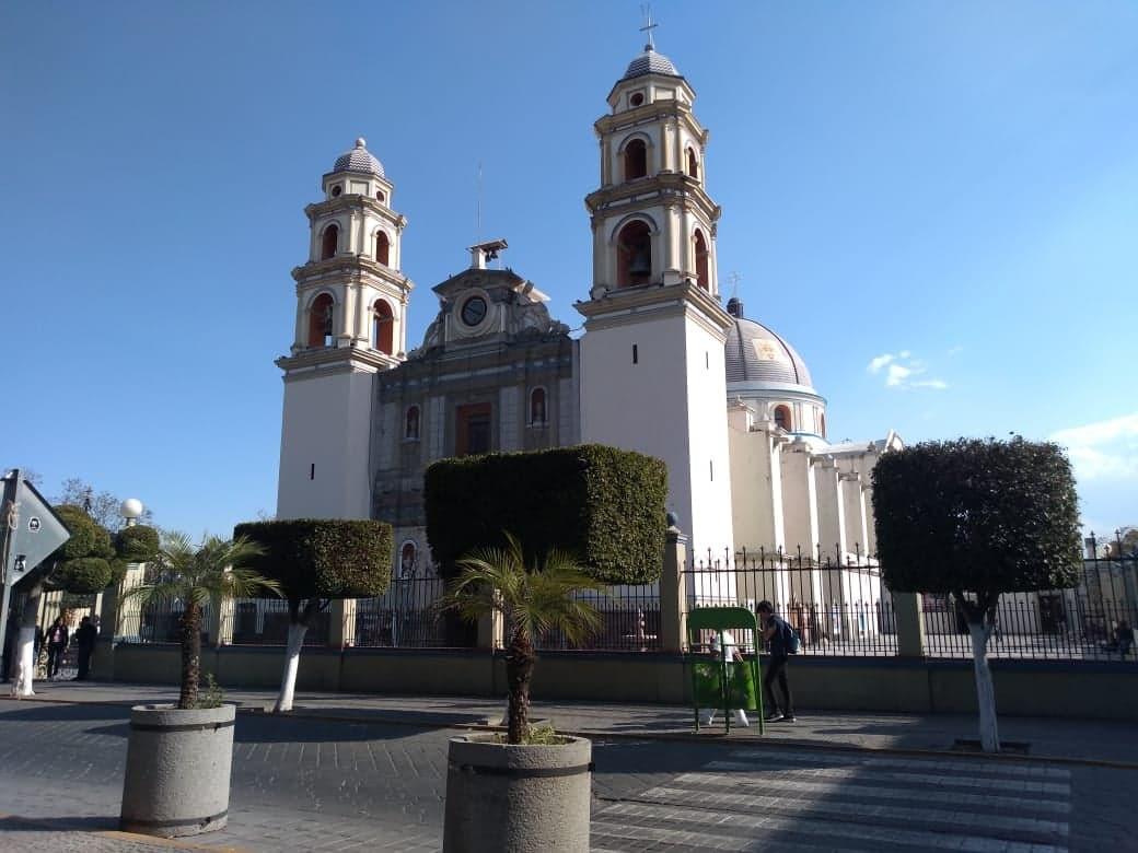 Llama obispo de Tehuacán a vivir la Semana Santa en casa