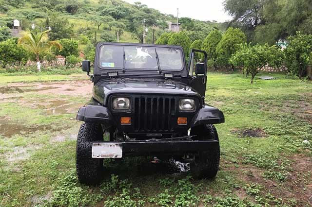 Animales exóticos, vehículos y armas tenían Los Rojos en Acatlán