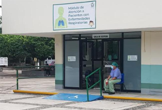 Denuncian trato irregular al aplicar vacuna covid en hospitales de Huauchinango y Xicotepec