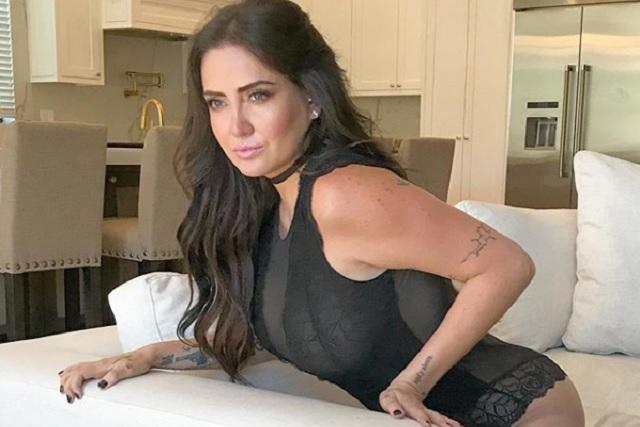 Celia Lora publica candente foto con Karime y Mane