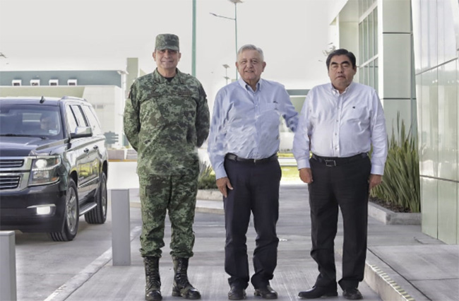 AMLO supervisa obras de la industria militar en La Célula