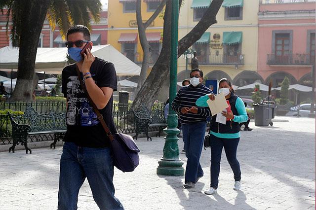 Se acaban cubrebocas en Puebla, comienzan compras de pánico
