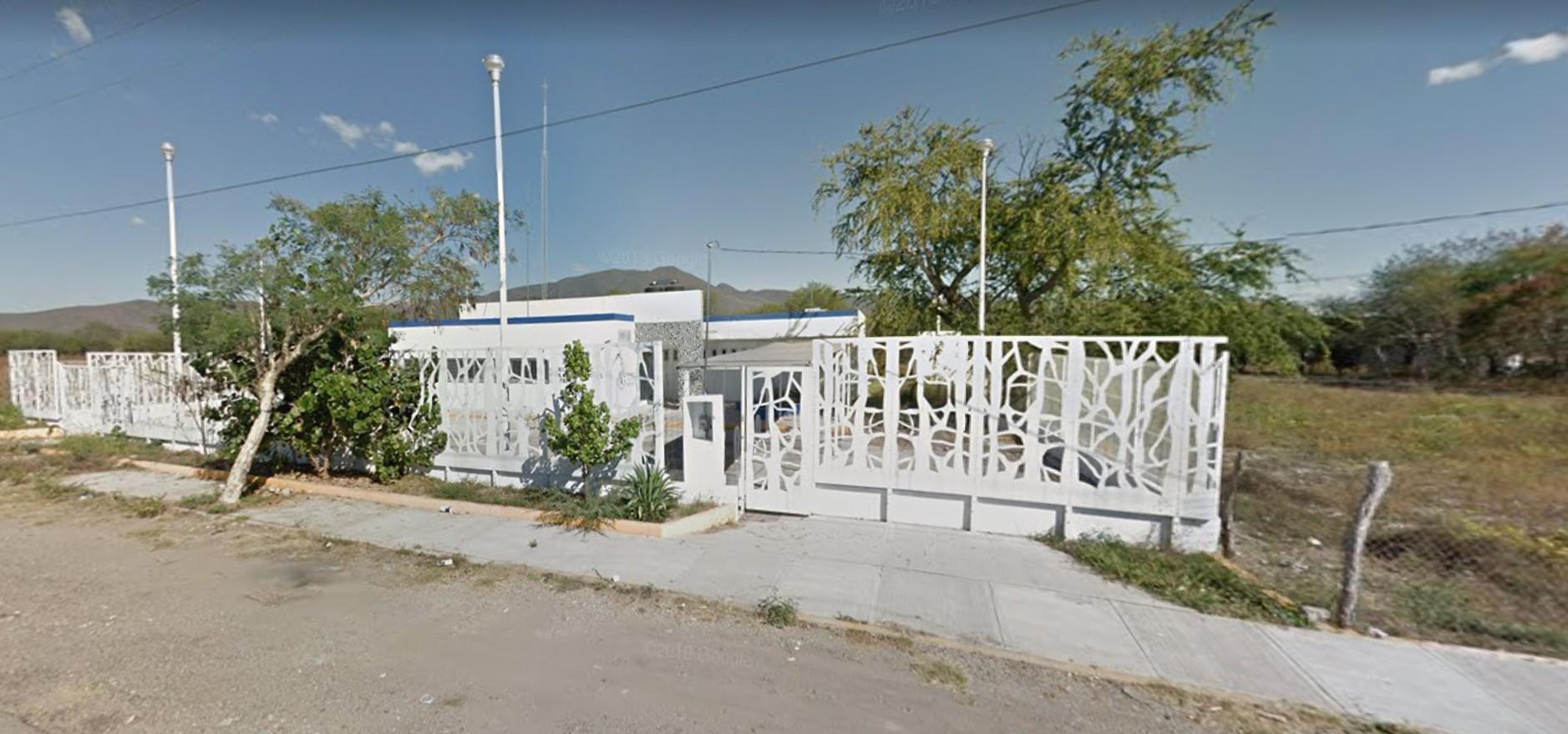 En el olvido, centro de salud de Huehuetlán el Chico
