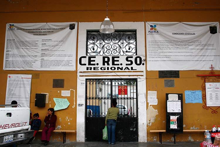 Director del penal de Cholula murió presuntamente por coronavirus