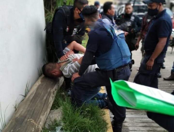 Pobladores intentan linchar a ladrón en Chignautla
