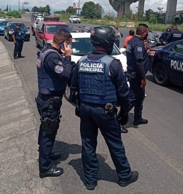 Por temor a conductor de DiDi, mujer sale del auto en Hueyotlipan