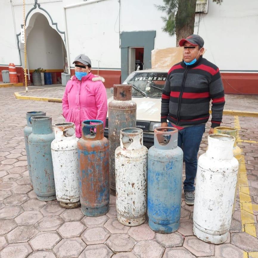 Detienen a pareja con cilindros de gas LP de dudosa procedencia en Quecholac