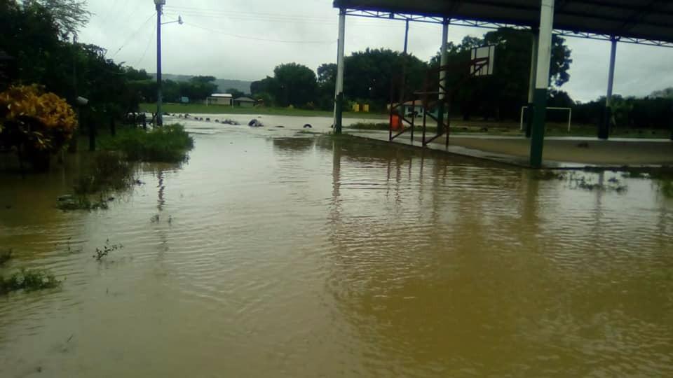 Ocho municipios suspenden clases por lluvias en la Sierra Norte