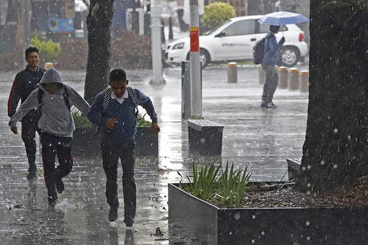 Tómalo en cuenta, se esperan lluvias fuertes todo el día en Puebla