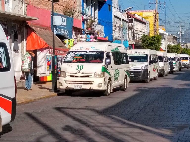 Transporte público de Tehuacán enfrenta crisis económica por falta de usuarios