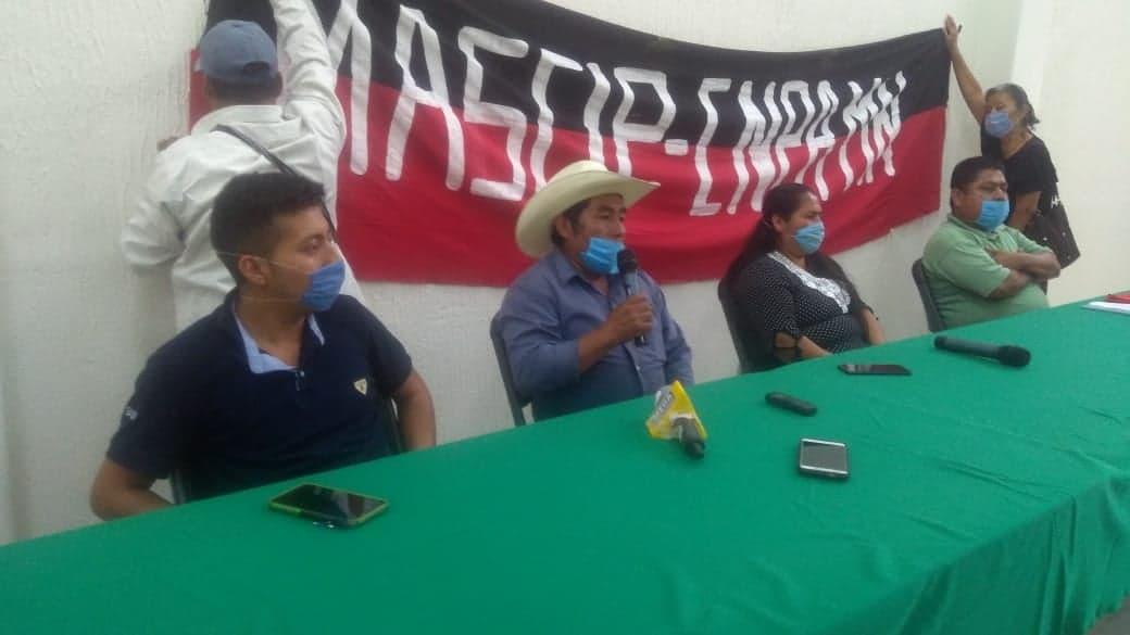 Comerciantes de Coyomeapan acusan al alcalde de hostigamiento