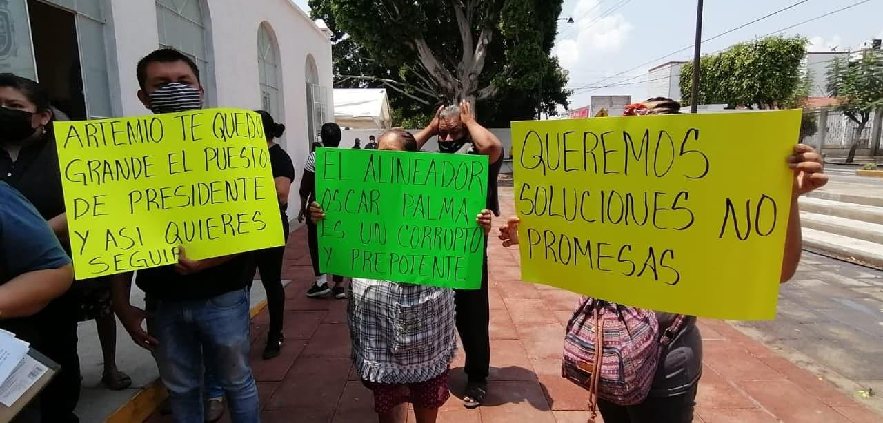 Comerciantes protestan y acusan despojo de espacios en La Purísima