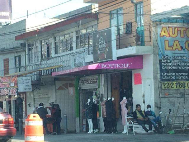 Comercios no esenciales no acatan decreto en Cholula