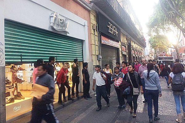 Responsabilizan a los dueños si abren comercios en Puebla