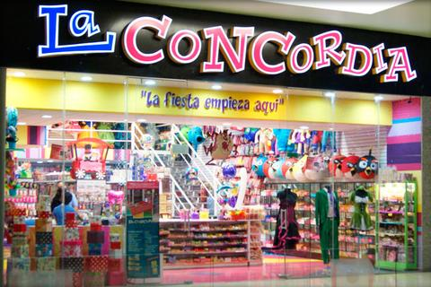 Clausuran negocios en Plaza Arcángeles en San Andrés Cholula