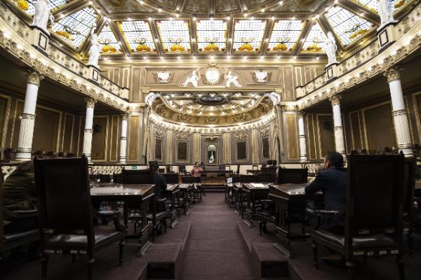 Por aspiraciones electorales 5 diputados de Puebla piden licencia